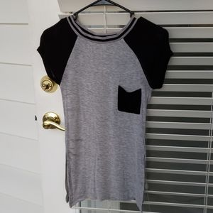 Soft open sided block color tee